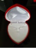 Boîte cadeaux coeur rouge pour parures et colliers
